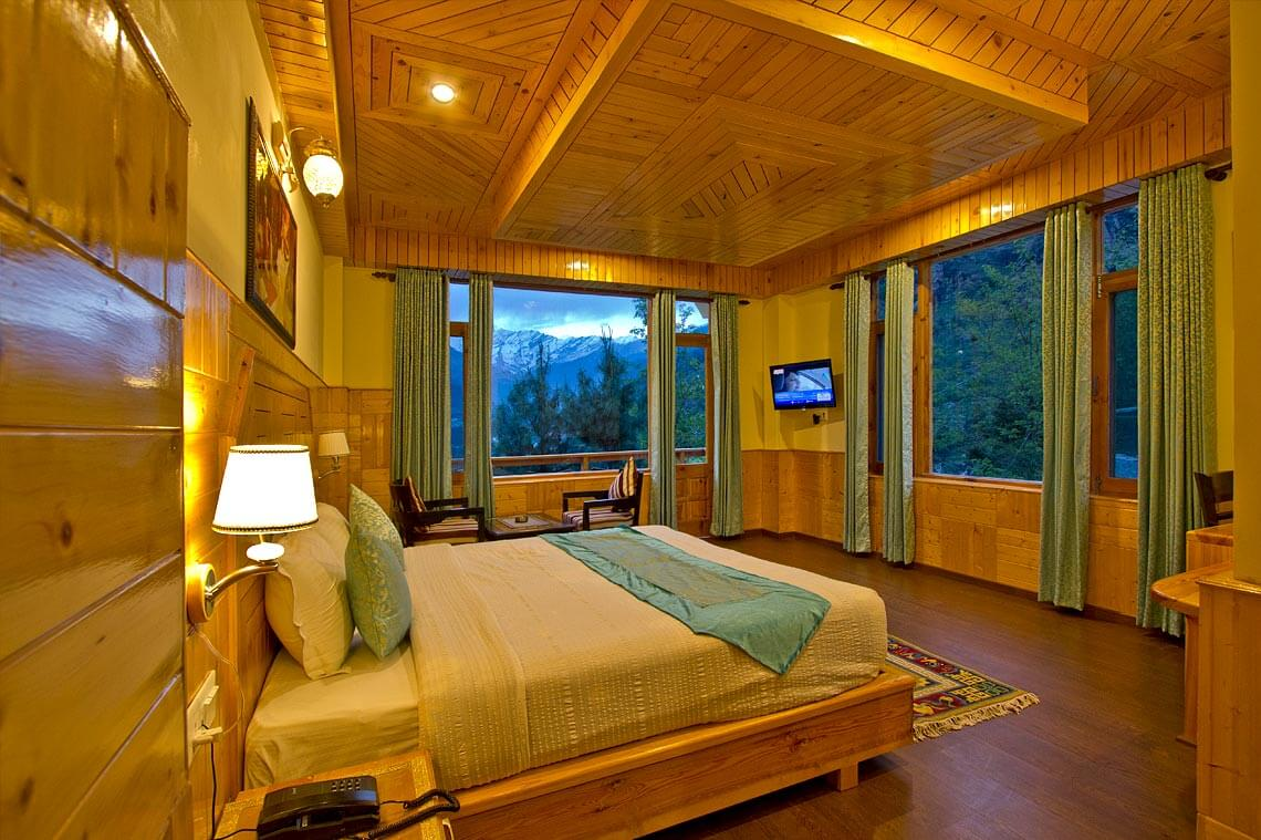 Honeymoon cottages in manali accommodation in manali for Period hotel
